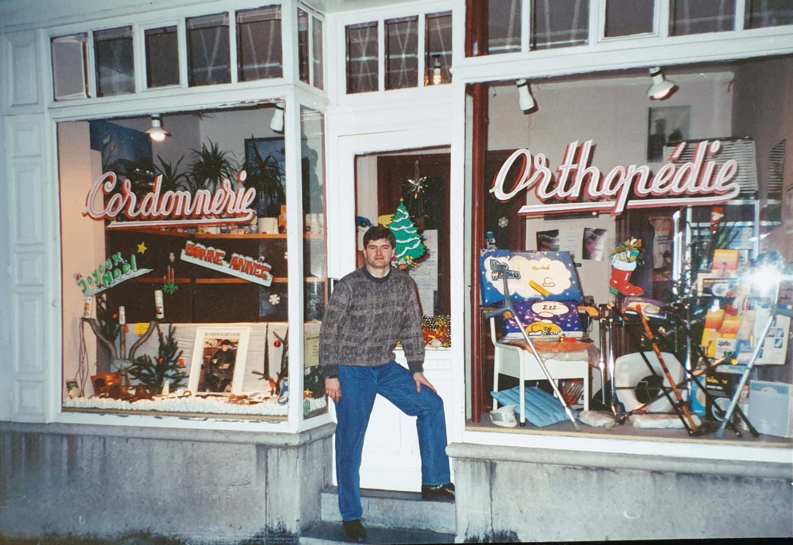 Paul Dascotte in front of his shop in 1989